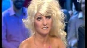 Florence Foresti imite Paris Hilton