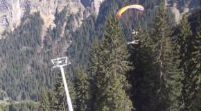 Ski sur le câble d'un téléphérique