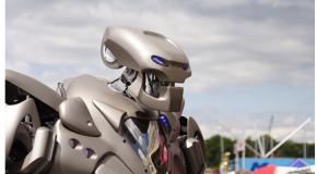 Une main robot surprenante